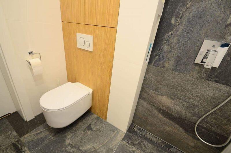 łazienka ciemna terakota