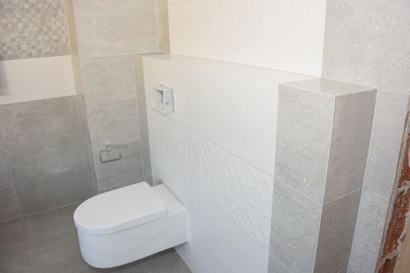 zabudowa toalety